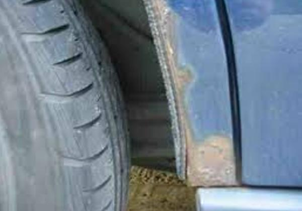 honda civic rear arch rust 1.JPG